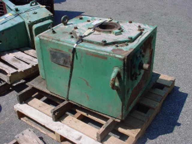 15 HP LIGHTNIN 76-Q-15 Right Angle Drive - 30.7-1 Ratio