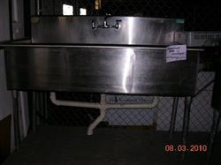 100676 - 3 Compartment Stainless Steel Sink
