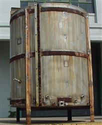 101592 - 1,000 Gallon Vertical S/S Tank