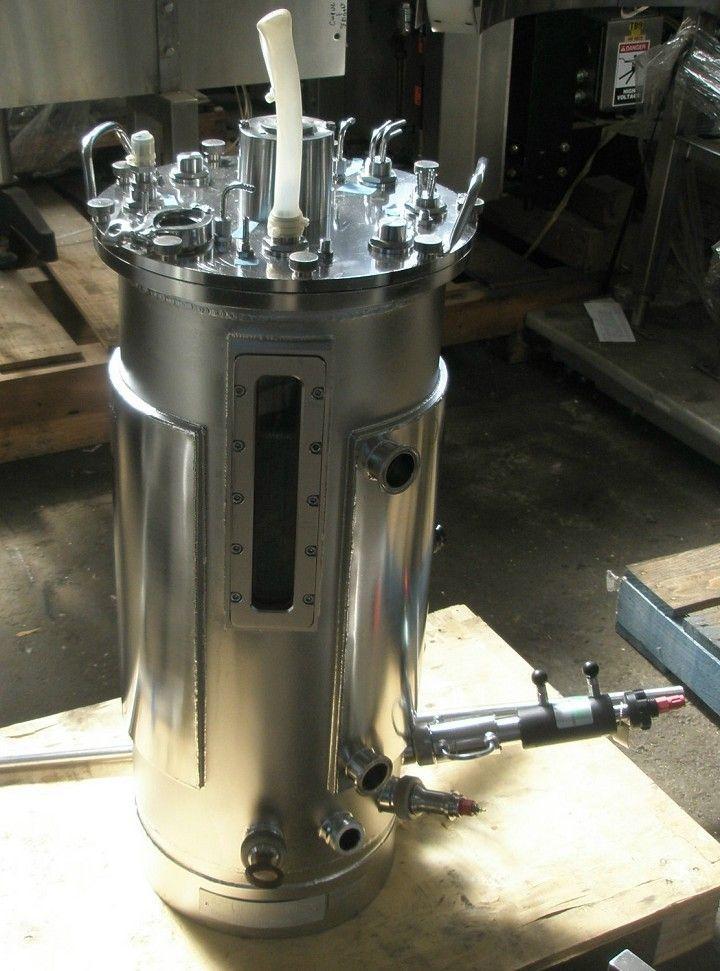 "12 Gal APPLIKON 60-2 Bioreactor, 12"" X 28"""