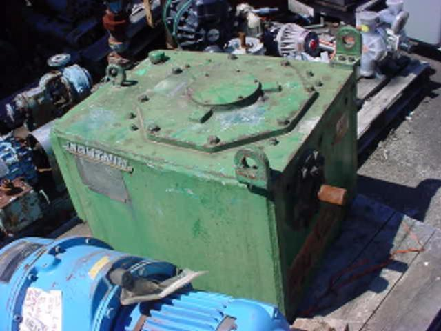 40 HP LIGHTNIN 76-C-40 Right Angle Drive - 20.2-1 Ratio