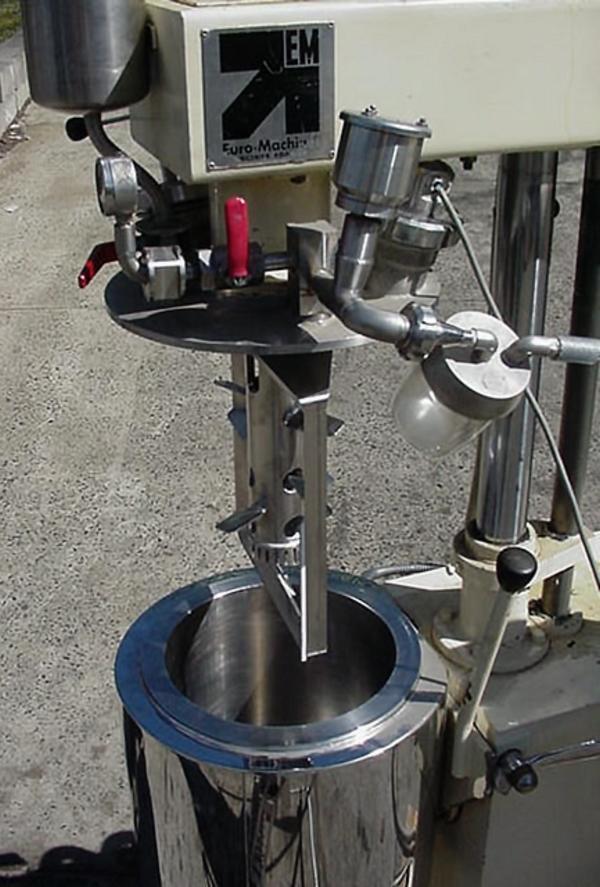 Image 7 Gal/25 Ltr EURO Triple Motion Vacuum Mixer 324563
