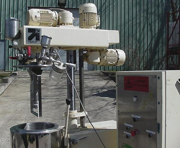Image 7 Gal/25 Ltr EURO Triple Motion Vacuum Mixer 324564