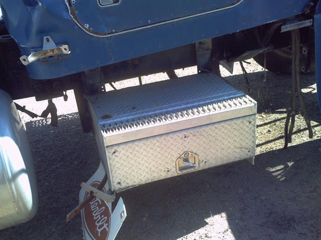Image PETERBUILT Parts Truck 326139