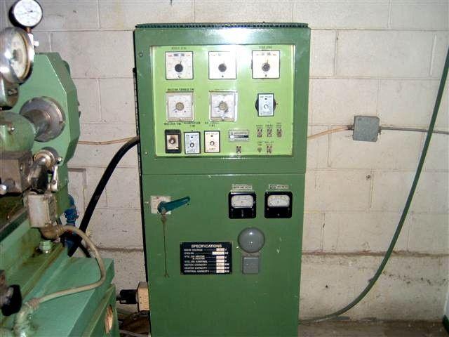 Image 70 Ton KAWAGUCHI Injection Molding Machine 326356