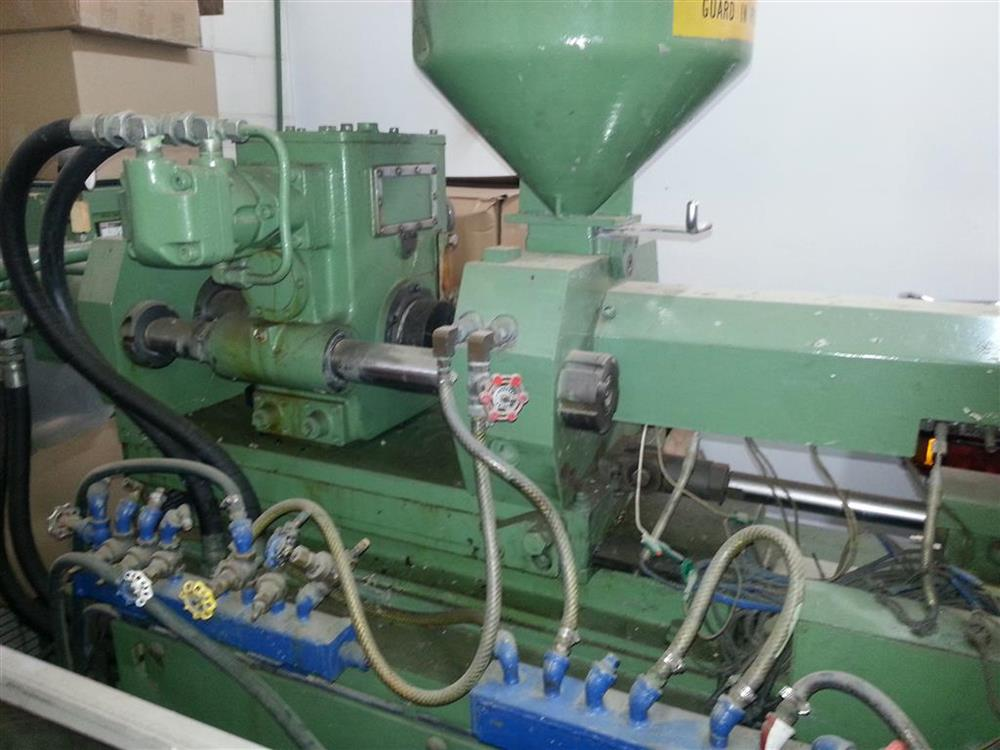 Image 70 Ton KAWAGUCHI Injection Molding Machine 430424