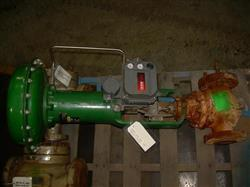"""Image 2 1/2"""" FISHER Globe Valve with Actuator 328219"""