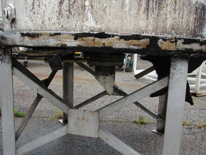 Image 550 GAL Vertical Fiberglass Tank, Flat Bottom 328470