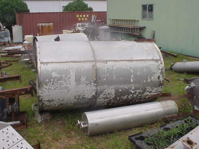 Image 675 Gallon Stainless Steel Tank with Dish Bottom 331518