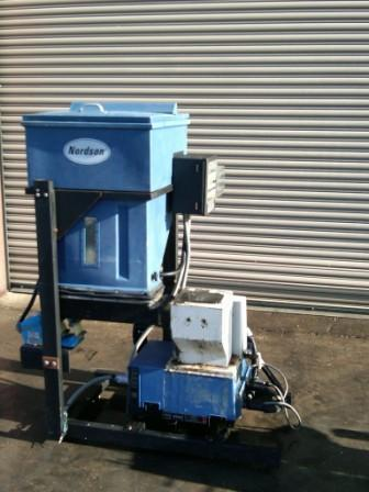 NORDSON 2304 Bulk Hot Glue System with Bulk Feeder and Hoses