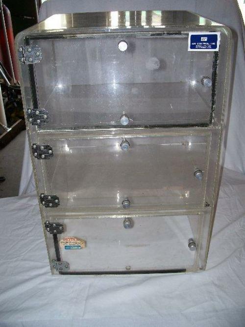 3 Door Dessicator Cabinet