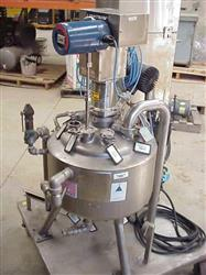 Image 10 Gallon Sanitary Reactor Vessel with Mixer 333127