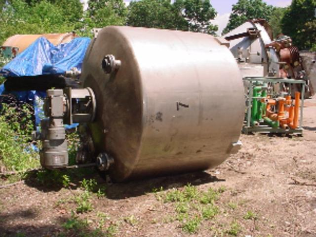 850 Gallon Vertical 304 Stainless Steel Tank w/ Mixer