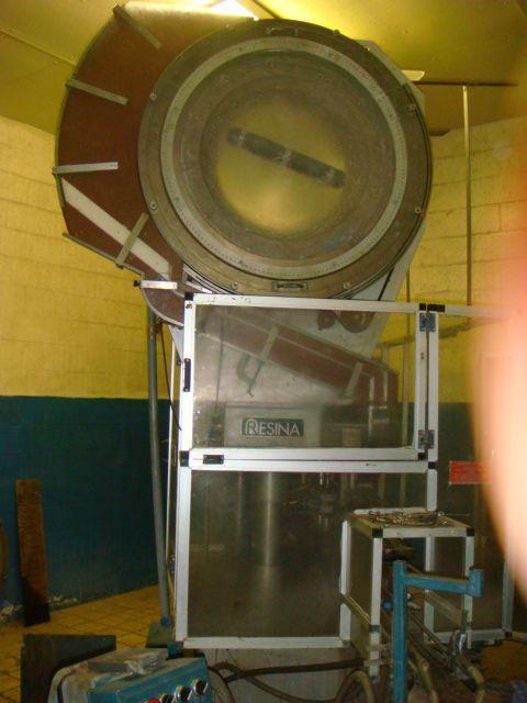 RESINA UN40 Capper w/Hopper and Chute