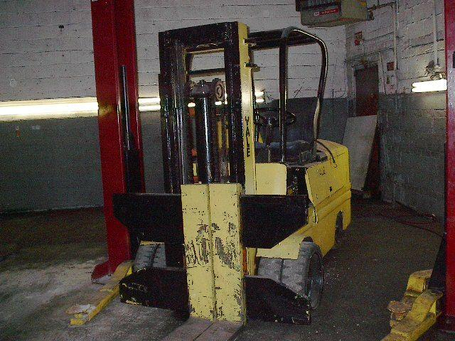 YALE Gasoline Forklift, Cap. 12,000 lbs