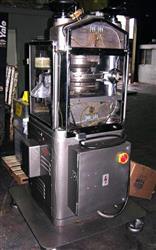 Image 25 Station MANESTY X25 B-Tooled Tablet Press 336412
