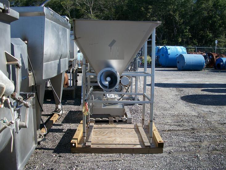 24 cf RMF CT-600 304 S/S Screw Feed Hopper