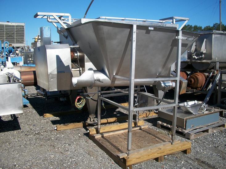 Image 24 cf RMF CT-600 304 S/S Screw Feed Hopper 339177