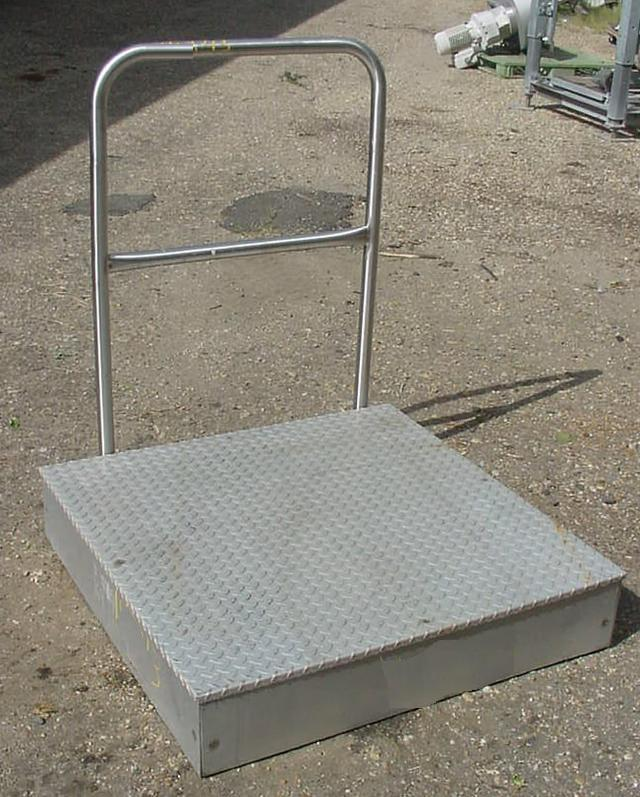 "40.5"" x 40.5"" Aluminum Work Platform w/ 8"" Floor Height"