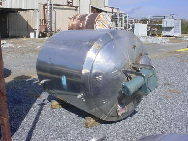 750 Gallon Stainless Steel w/ Sweep Type Mixer