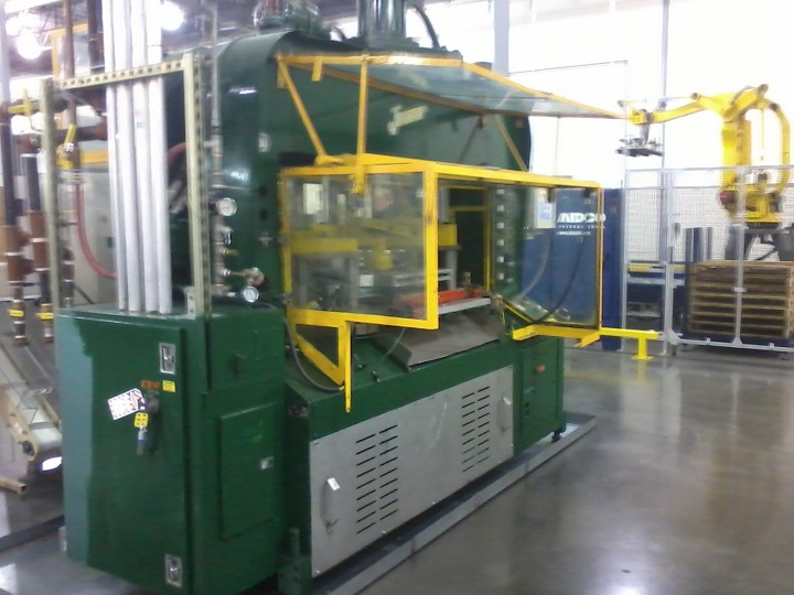 JOMAR Model 5500 Injection Blow Molding Machine