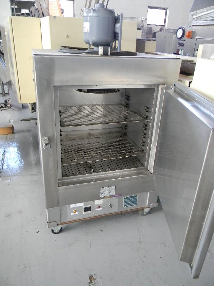 BLUE M Model 0v510 Oven