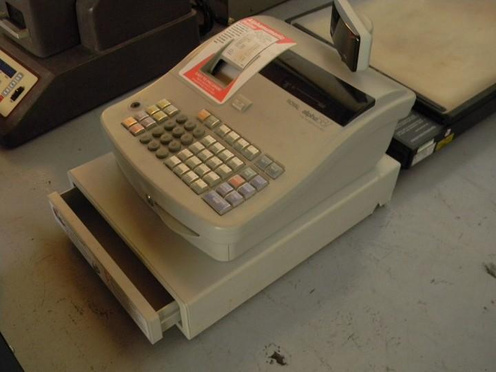 ROYAL Model 587 Cash Register
