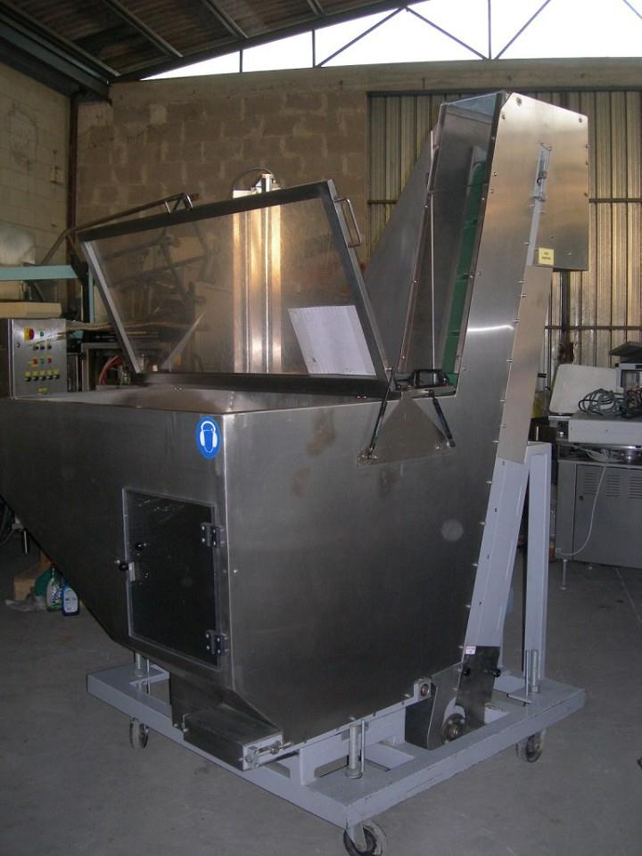 Image Cleated Feeder Elevator w/ Hopper 341517