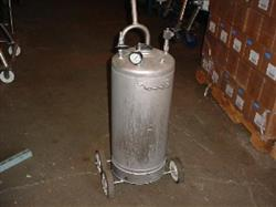 131829 - 12 Gallon ALLOY PRODUCTS Stainless Steel Pressure Tank