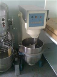 134575 - 60 Quart BEAR Varimixer