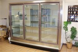 134649 - 101W x 82H x 39D ZERO-ZONE Low Temp 3 Door Display Case