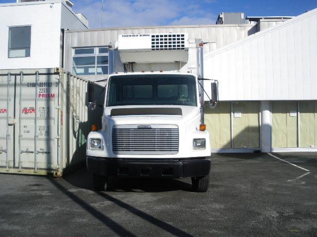 2002 FREIGHTLINER FL-50 210hp/TK MDII-SR Reefer Truck