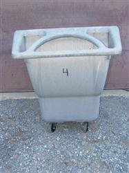 135302 - 1 cu yd  RUBBERMAID  Tilt Hopper,  Structural Foam