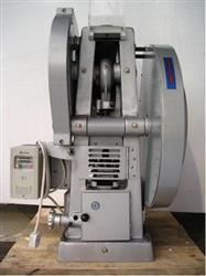 136106 - 1 Station DP30A Tablet Press, 30kn (~3.5 Tons)
