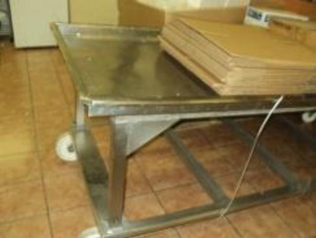 FETA Stainless Steel Large Drain Table on Wheels