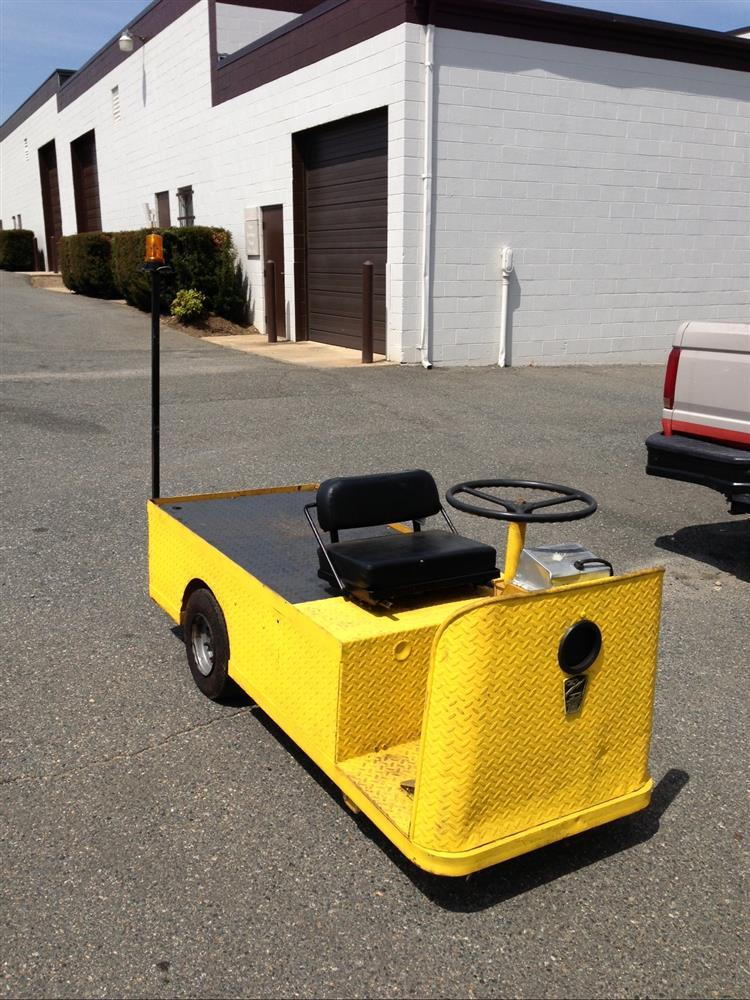Mule Tow Tractor : Taylor dunn mule c mane for sale used