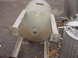 171974 - 122 Gallon M & M WELDING & FABRICATING CO. 304 Stainless Steel Pressure Tank