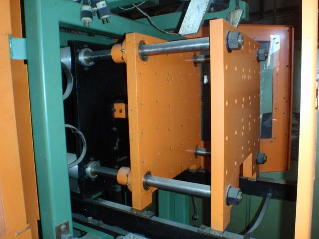 Image HAYSSEN Dual Head Accumulator Extrusion Blow Molder 485927