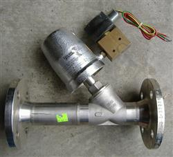 "179516 - 1.5"" SCHUBERT & SALZER 7031 Angle Bodied Flanged Valve"