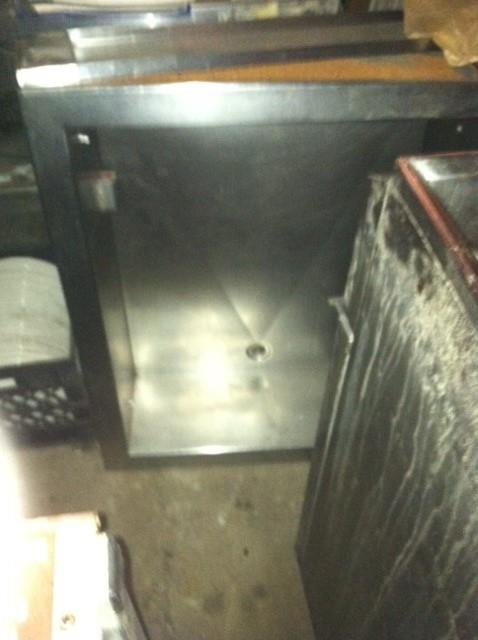 Image RANDELL Concession or Bar Ice / Bottle Holding Box with Drain 558263