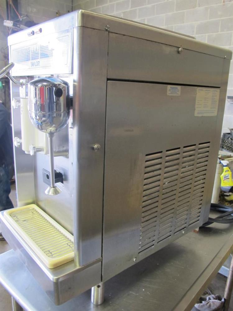 ... TAYLOR 490-33 Countertop Soft Serve Ice Cream Machine Freezer 514193