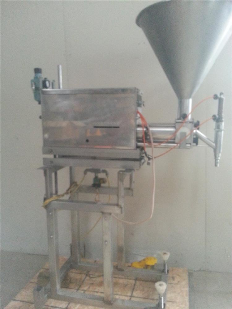Image TURBO TOOLS (HULL) Stainless Steel Paste Filler/ Depositor 541494