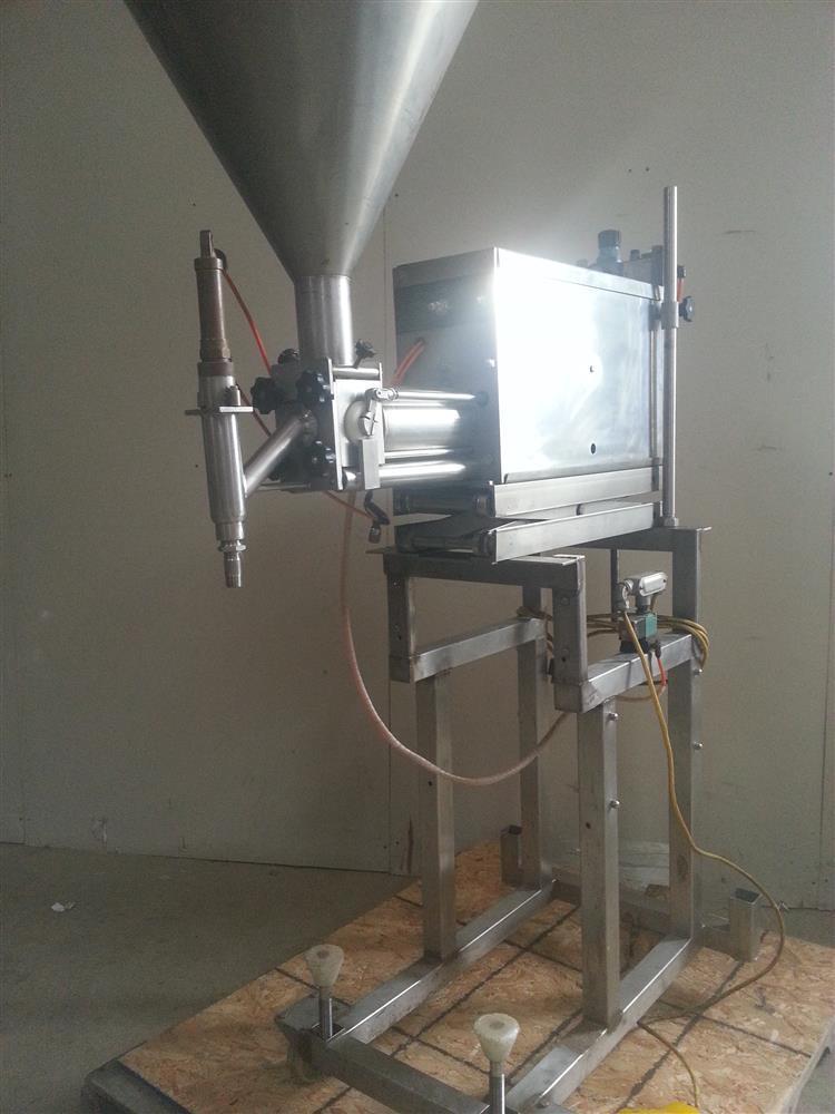 Image TURBO TOOLS (HULL) Stainless Steel Paste Filler/ Depositor 541495