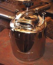 192816 - 2.5 Gallon APACHE STAINLESS EQUIPMENT CORP 316L Stainless Steel Pressure Tank