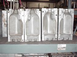 195915 - 1/2 Gallon Dairy Blow Mold