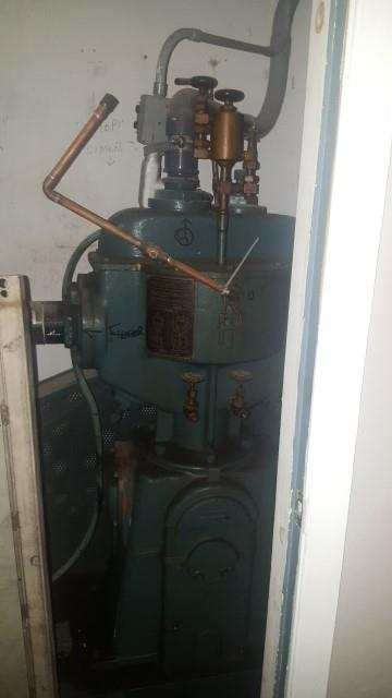 Image AMERICAN Canco 08 Vacuum Can Seamer and Pump 1490919