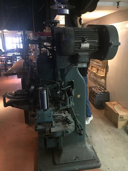 Image AMERICAN Canco 08 Vacuum Can Seamer and Pump 777217