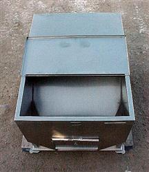 Image 14.5 Cubic Feet 108 Gallon Stainless Steel Tote on Wheels 561771