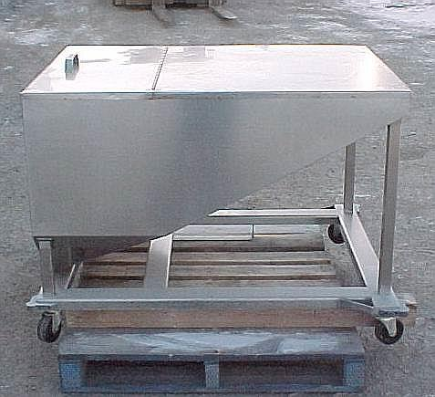Image 14.5 Cubic Feet 108 Gallon Stainless Steel Tote on Wheels 561774
