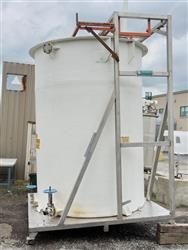 Image 4300 Gallon Fiberglass Vertical Tank with Stainless Steel Frame, 5 HP Mixer 561895
